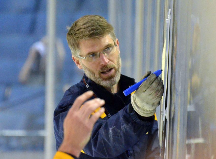 Sabres tab Rolston to replace Ruff on interim basis