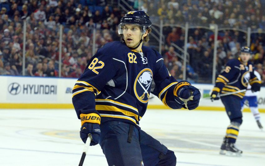 Sabres' Foligno struggling to regain slick form