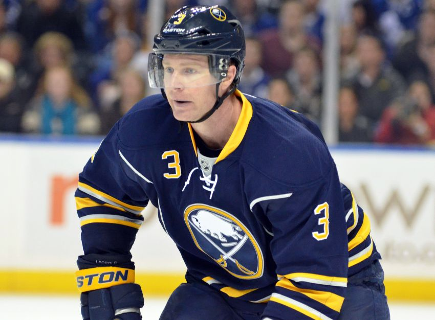 Report: Sabres trade Leopold to Blues for draft picks
