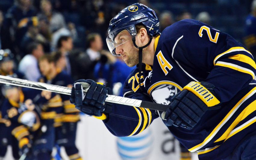 Sabres' Vanek questionable for Leafs; Sekera likely out
