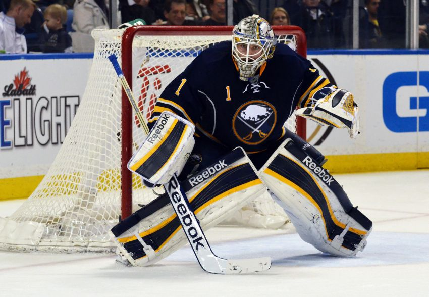 Sabres waste Enroth's strong effort, fall to Jets