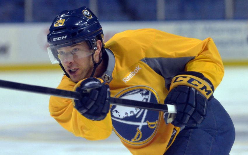 Sabres shift focus to future after trading Pominville to Wild