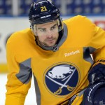 Stafford wants to remain with Sabres despite struggles