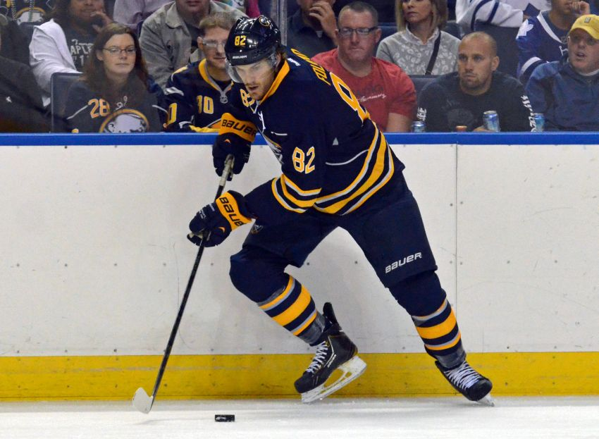 Marcus Foligno impressing Sabres again early after forgettable season