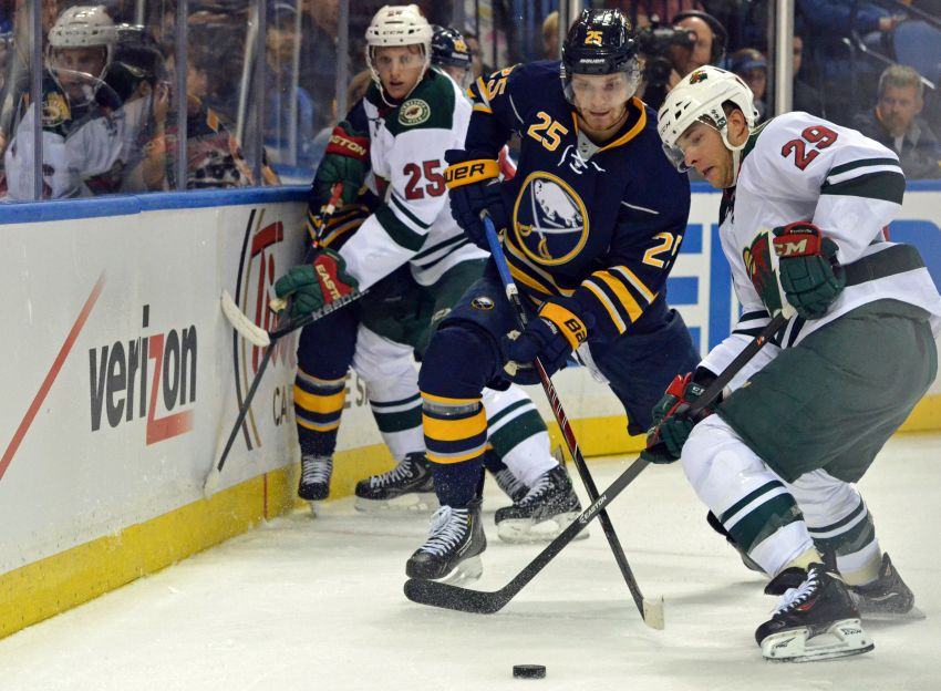 Wild's Jason Pominville burns old teammates, helps keep Sabres winless