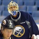 Ryan Miller's 'minor' injury forces Sabres to recall goalie Matt Hackett