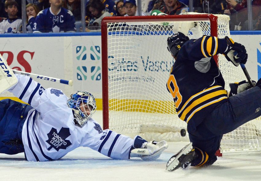 Sabres beat Leafs in Ted Nolan's debut, look like new team