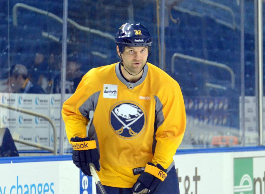 Ted Nolan puts Sabres through lively practice, says he has 'nothing to carry over' against Leafs