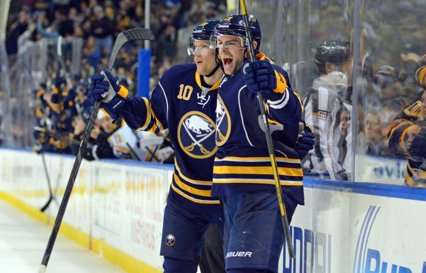 Sabres score 4 goals again, beat Bruins for second straight regulation win; Linus Omark acquired during game