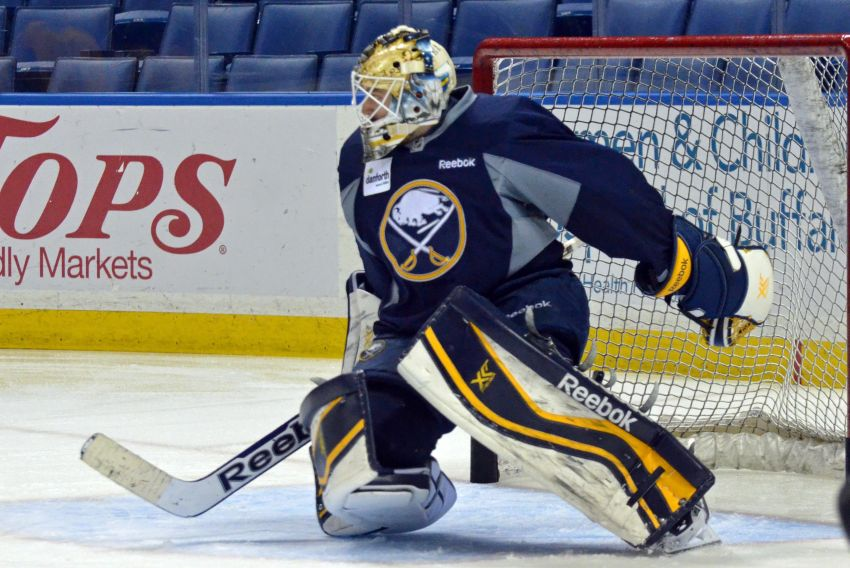 Sabres want to get goalie Jhonas Enroth win tonight against Flyers