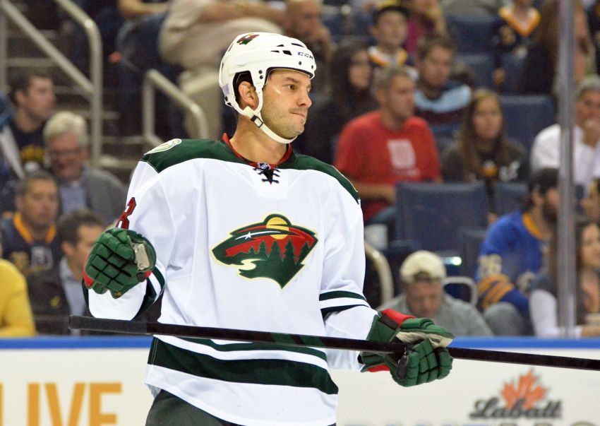 Ted Nolan wants Sabres' youngsters to learn from veteran newcomer Zenon Konopka