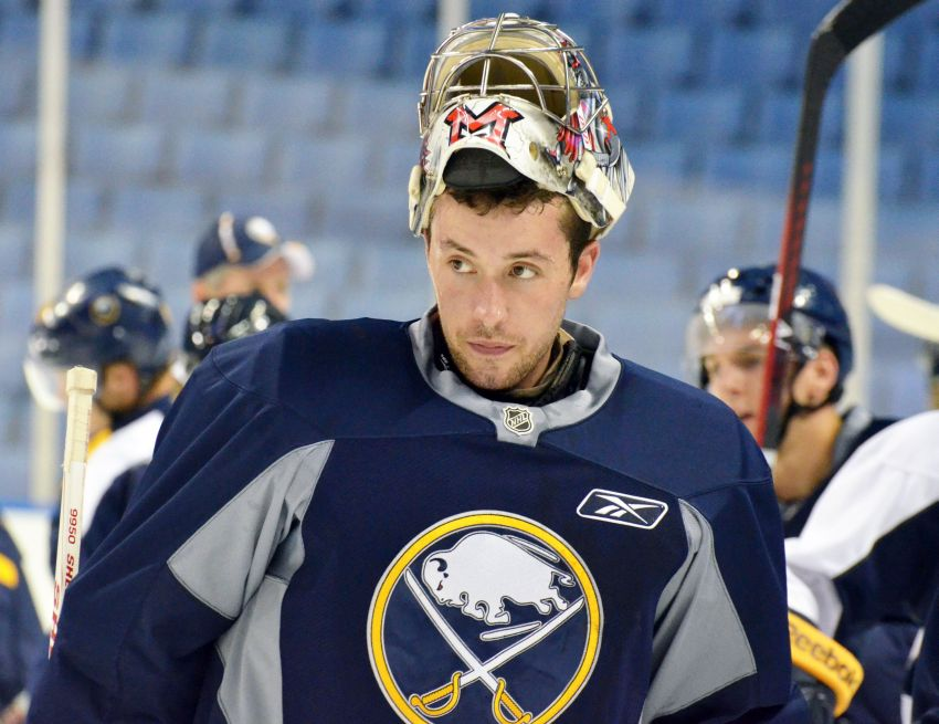 Sabres recall goalie Connor Knapp from Amerks