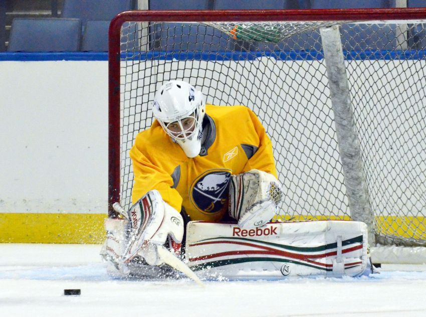 Sabres sign goalie prospect Linus Ullmark to 3-year, entry-level deal