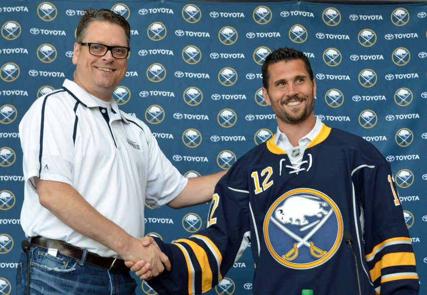 Sabres GM Tim Murray on re-signing Steve Ott: 'I don't know if he's a possibility'