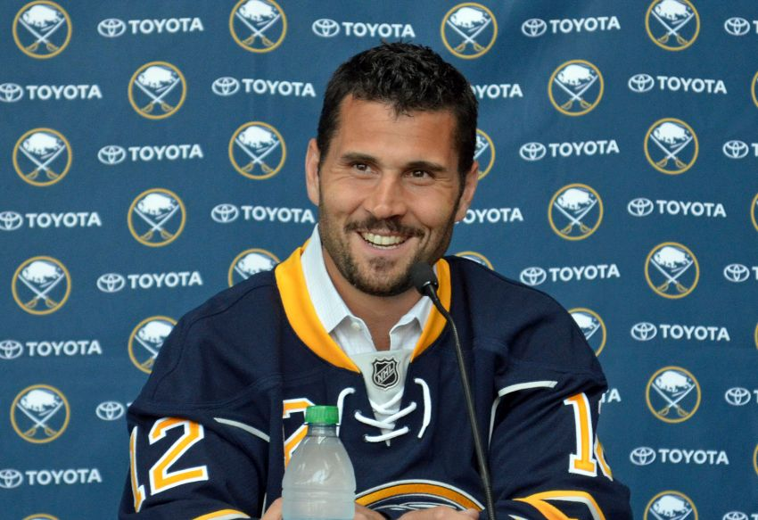 Veteran Brian Gionta happy to join rebuilding Sabres: 'I'm excited about being part of that turnaround'
