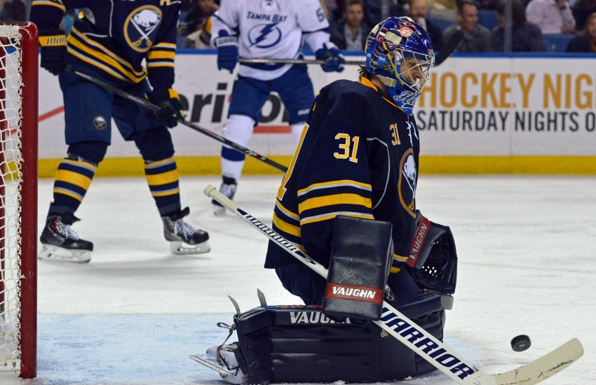 Report: Sabres re-sign goalie Matt Hackett