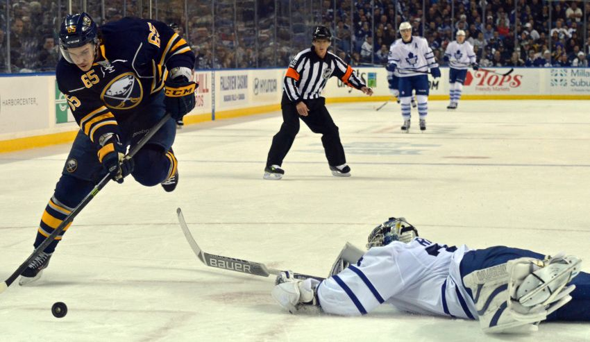Sabres throttle Leafs, send Toronto fans home unhappy