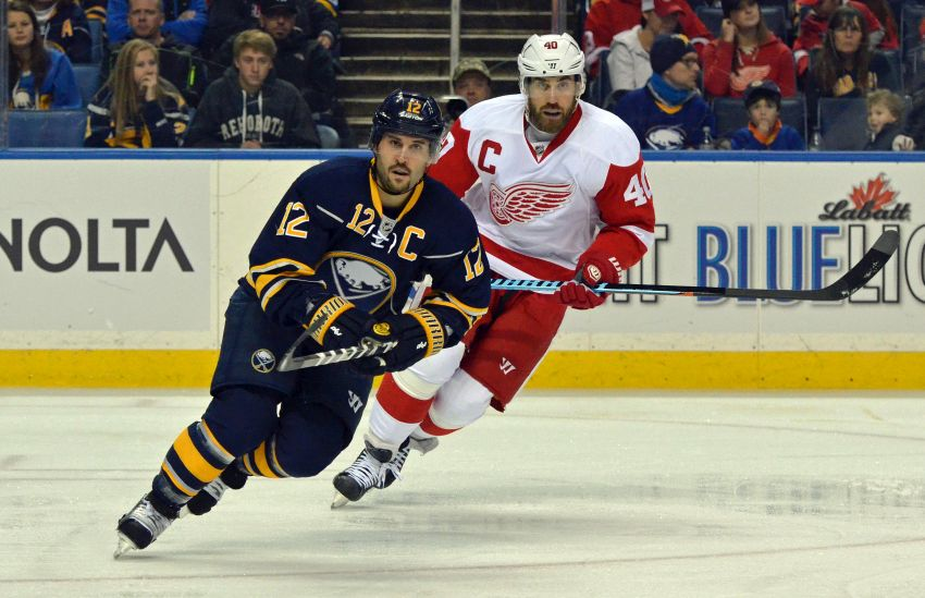 Former Canadiens Brian Gionta and Josh Gorges want to focus on present with Sabres