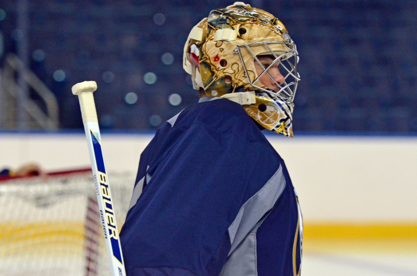 Sabres goalie Michal Neuvirth earns third straight start; Andre Benoit back in