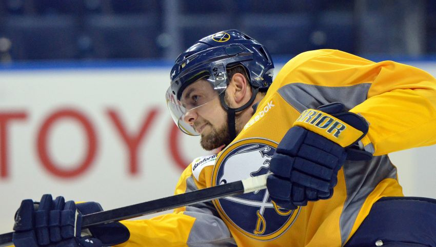 Sabres' Patrick Kaleta returning to normal following facial injury