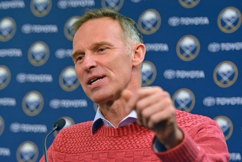 Sabres legend Dominik Hasek and Brett Hull waited to discuss controversial 'No Goal'