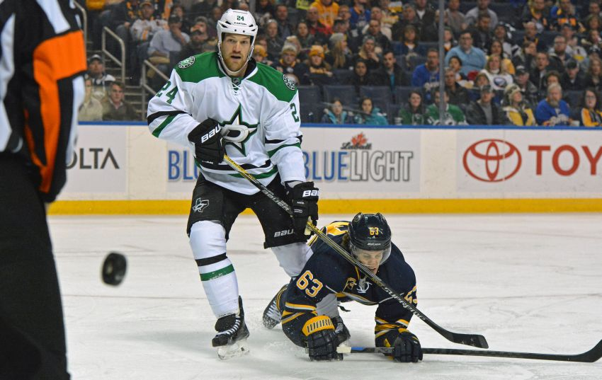 Sabres hold on for tight victory over Stars