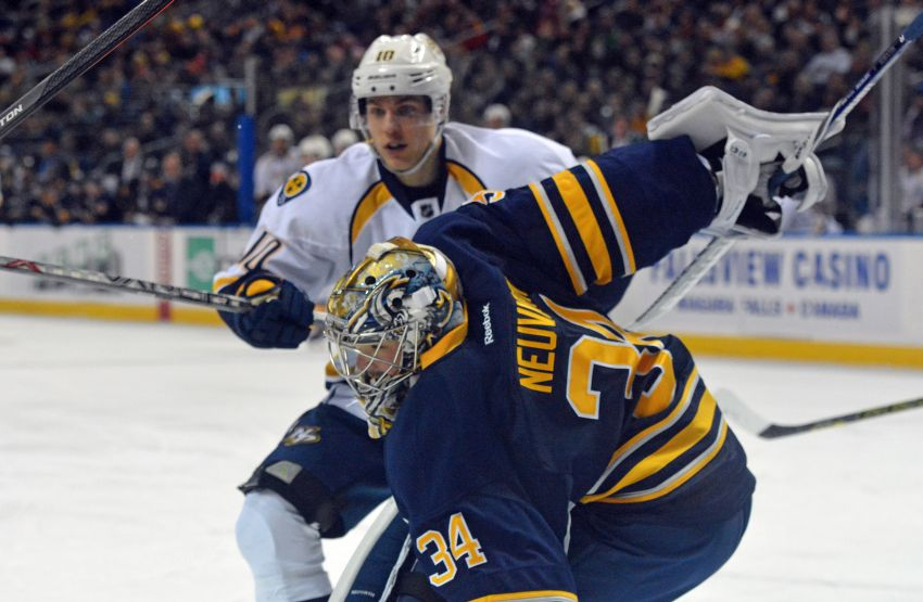Sabres goalie Michal Neuvirth shines in shootout loss to Predators