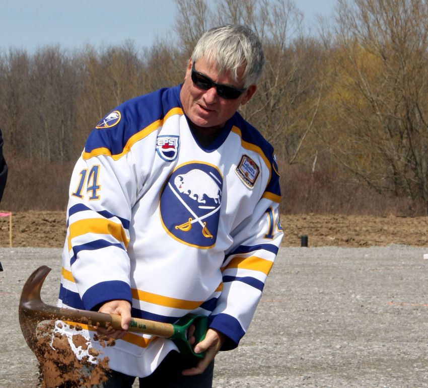 Reports: Sabres legend Rene Robert hospitalized after suffering heart attack